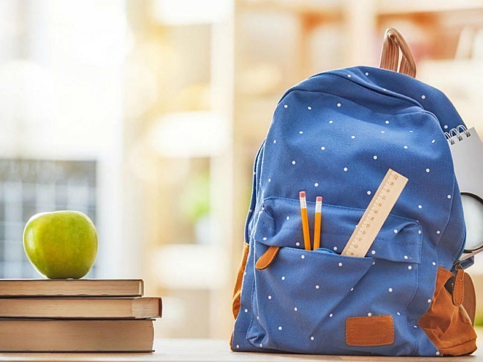 Libri dimenticati sotto il banco? Ecco 3+1 strategie utili per evitare inutili corse a scuola il Venerdì sera!